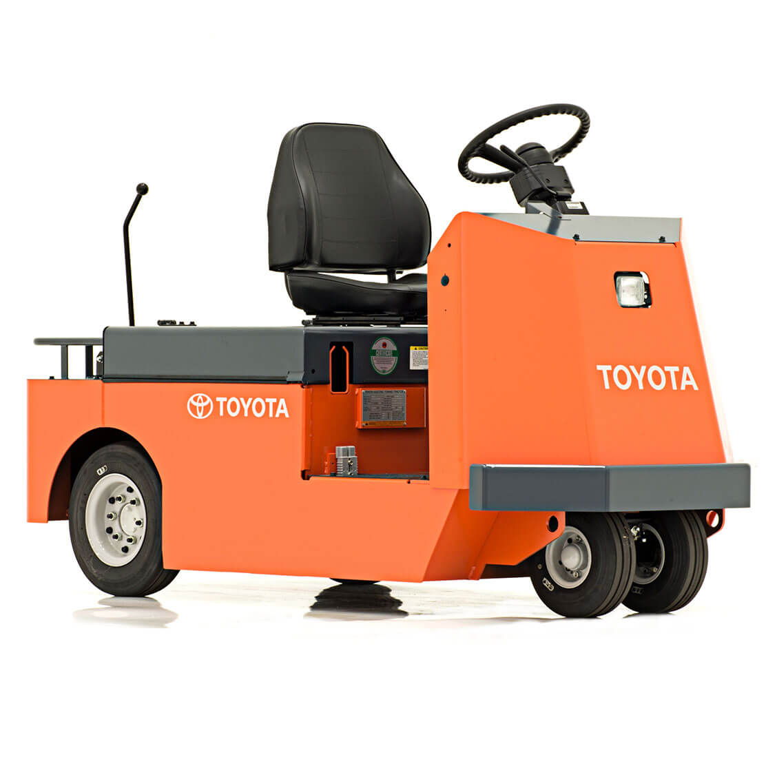 Mid-Size Tow Tractor